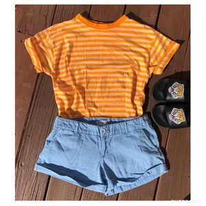 Vintage Outfit Shirt Size Small & Shorts Size 6